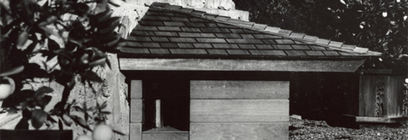 The dog house designed by Frank Lloyd Wright in the late 1950s