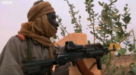 A Chadian soldier in Mali with a hybrid assault rifle